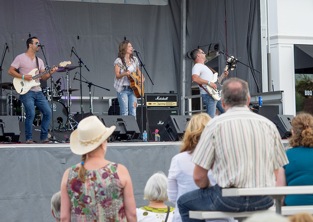 Live Music at Summerfest – We do it best!
